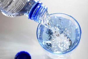Điều gì sẽ xảy ra khi bạn uống quá nhiều nước?