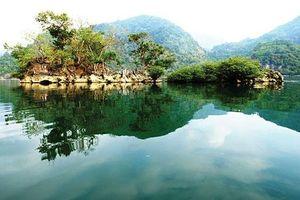 Hồ Ba Bể- Du lịch qua miền di sản Việt Bắc