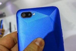 Trên tay Realme C2: Camera kép, pin 4.000 mAh, giá 2 triệu