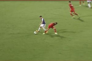 CLIP: Quang Hải lọt Top 5 bàn thắng đẹp nhất vòng 6 V.League