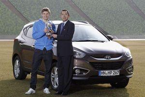 Công Phượng đi siêu xe đắt giá giống như Pogba, Muller