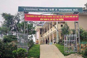 Lào Cai: Tạm đình chỉ thầy giáo bị tố dâm ô với học sinh lớp 8