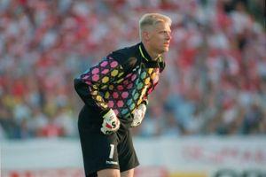 Nhìn lại trào lưu áo bóng đá in họa tiết của thập niên 90