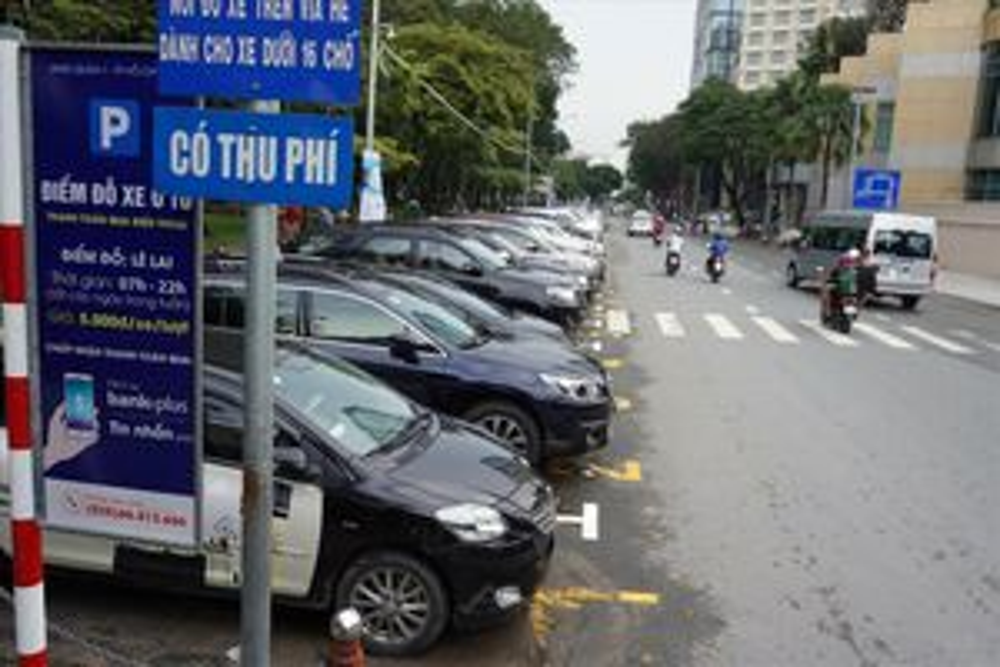 TP.HCM: Điều chỉnh quy trình quản lý đỗ ô tô dưới lòng đường