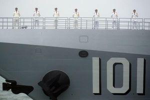 Diễu binh hải quân, Trung Quốc 'khoe' khu trục hạm mới nhất