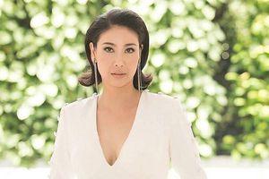 Hoa hậu Hà Kiều Anh khoe nhan sắc vượt thời gian với váy dạ hội cắt xẻ