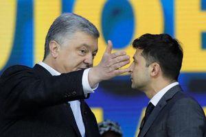 Điều gì đã khiến ông Poroshenko đau đớn mất chức Tổng thống Ukraine?