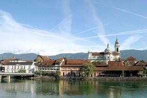 Kỳ lạ một thị trấn ở Thụy Sĩ bị ám ảnh bởi con số 11