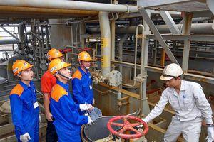 Nhà máy Dầu nhờn Petrolimex tại Đình Vũ tiếp nhận chuyến tàu Dầu gốc đầu tiên