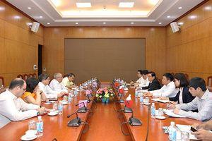 Lãnh đạo Ban Tổ chức Trung ương trao đổi kinh nghiệm về xây dựng Đảng với Đoàn đại biểu Đảng Cộng sản Cu-ba