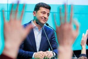 Danh hài làm Tổng thống Ukraine: Chưa nhậm chức đã bị dọa 'tê liệt'