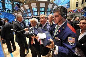 Khối ngoại giao dịch đột biến, mua ròng hơn 320 tỷ đồng trong phiên 24/4