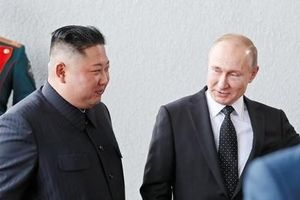 Ông Putin phá lệ 'đi muộn' trong cuộc gặp ông Kim Jong-un