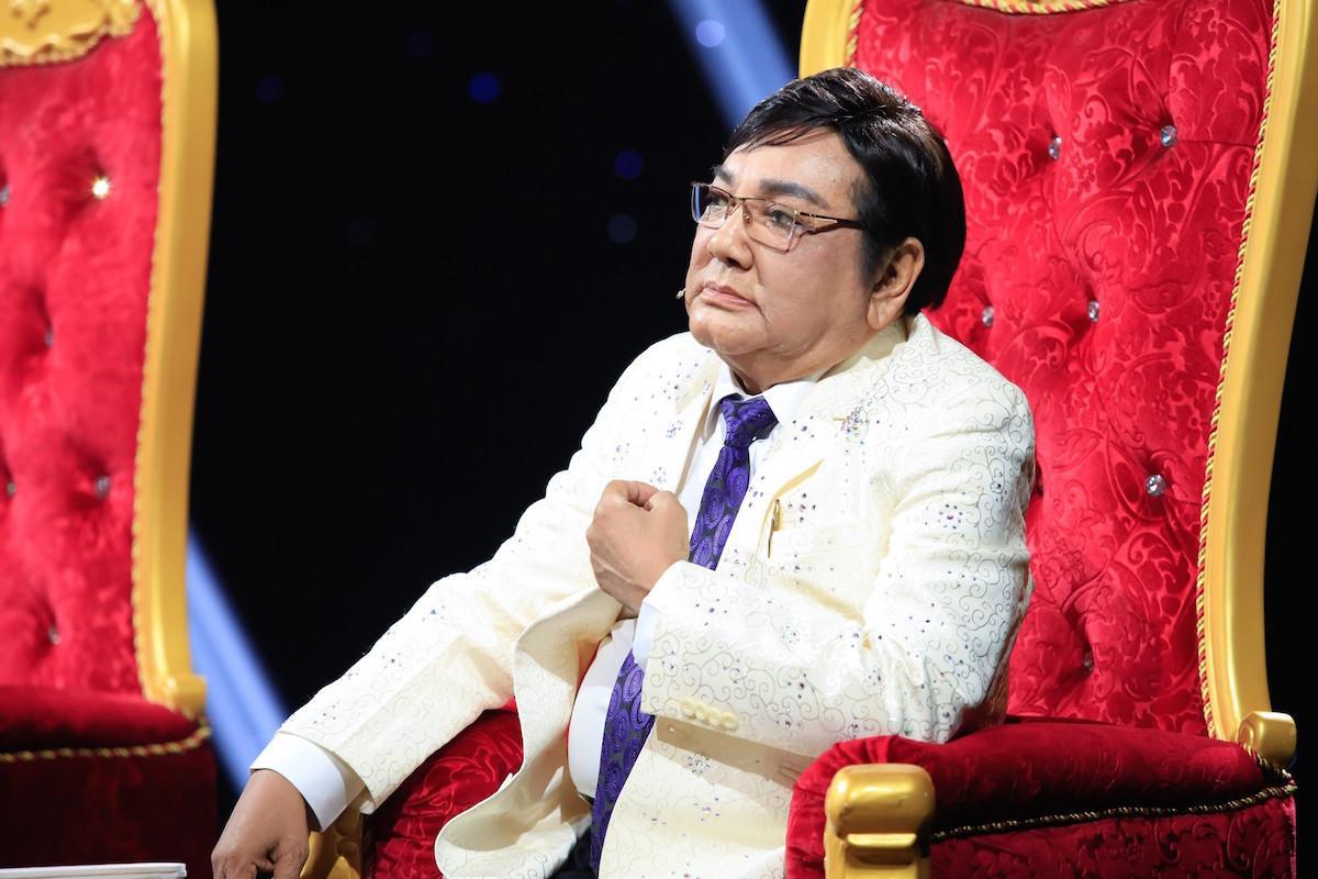 Phú Quý xúc động khi nghệ sĩ cải lương trẻ phải mưu sinh trong quán nhậu