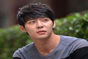 Sau việc dương tính với ma túy Park Yoochun tiếp tục gây chấn động với đôi chân lở loét