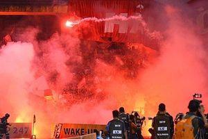 Hà Nội FC xin VFF gỡ án treo sân sau vụ CĐV Hải Phòng đốt pháo sáng