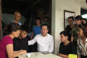 Sở GD&ĐT Hà Nội sẽ hỗ trợ việc học của hai con nữ công nhân bị 'xe điên' đâm tử vong