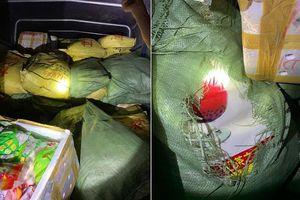 Quảng Ninh: Bắt giữ 1,8 tấn bột trà sữa, xúc xích, chả cá không rõ nguồn gốc