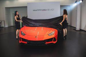 Siêu bò Lamborghini Huracan Evo ra mắt Singapore