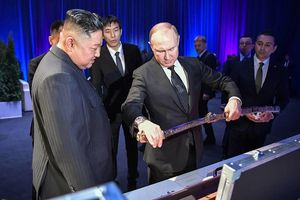 Những hình ảnh đặc biệt từ cuộc gặp lịch sử của ông Kim và TT Putin