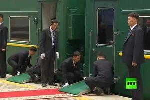 Những khoảnh khắc kỳ lạ trong chuyến thăm của ông Kim Jong Un tới Nga