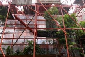 Độc lạ quán cà phê giàn giáo, khách tò mò ở Sài Gòn