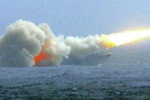 Chuyên gia: Tên lửa TQ đặt tàu sân bay Mỹ vào thế 'ngàn cân treo sợi tóc'