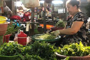 Thực phẩm, rau xanh đồng loạt tăng giá trước dịp lễ 30/4