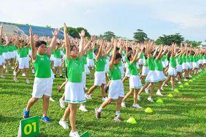 Hơn 6.000 trẻ em Vĩnh Long lập kỷ lục Việt Nam tập thể dục