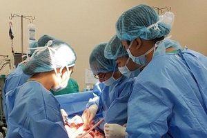 Sản phụ được bác sĩ ở hai bệnh viện phối hợp 'cứu sống' đã khỏe mạnh