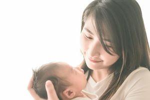 Mẹ bỉm sữa ăn uống kiêng khem quá mức sau sinh phải nhập viện