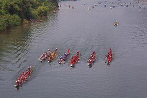 Nam thanh nữ tú đua thuyền, bắt cá trắm trên đất di sản Phong Nha - Kẻ Bàng