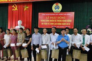 Công đoàn Xây dựng Thái Bình trao 90 suất quà cho CNLĐ khó khăn