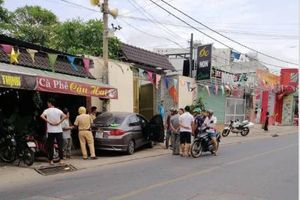 Tài xế nằm sùi bọt mép trong xe sau khi gây tai nạn ở Sài Gòn, nghi 'phê' ma túy