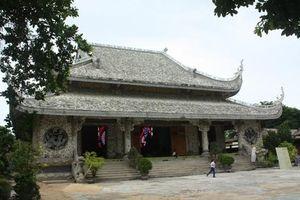 Bí ẩn bức tượng Phật trôi dạt từ biển vào cửa chùa Thanh Lương