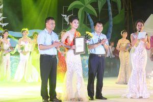Cô gái 17 tuổi giành giải Nhất cuộc thi nữ sinh thanh lịch biển Quỳnh 2019