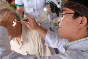 Trao tặng 1000 thiết bị trợ thính cho bệnh nhân khiếm thính tại Quảng Ngãi