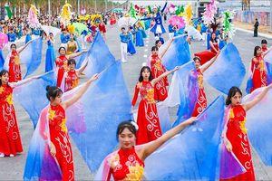 Mãn nhãn với màn diễu hành Carnaval náo nhiệt bên bờ biển Bãi Cháy