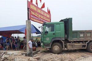 Người dân Bắc Lãm lập lều, phản đối dự án Thanh Hà - Cienco 5 'triệt' lộ