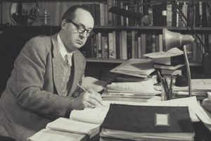 Giải mã bí mật cuốn tiểu thuyết viết dở của văn hào Nga Vladimir Nabokov