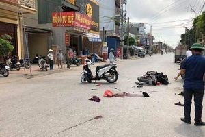 2 xe máy va chạm, 5 người thương vong