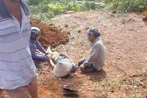 Mâu thuẫn đất đai, gã đàn ông đâm 2 em của vợ cũ tử vong