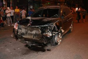 Bắt tạm giam lái xe gây tai nạn giao thông liên hoàn trên đường Láng