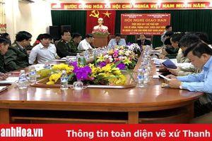Huyện Thường Xuân phối hợp bảo vệ rừng giáp ranh