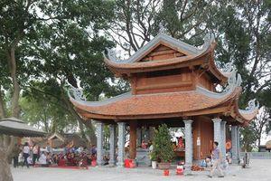 Thăm đền thờ Thủy tổ của người Việt