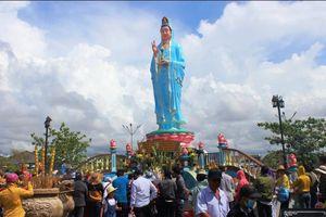 Bạc Liêu: Hàng chục ngàn lượt khách tham dự Lễ hội Quán âm Nam Hải