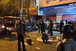 Khởi tố lái xe ô tô tông tử vong nữ lao công trong đêm ở Hà Nội