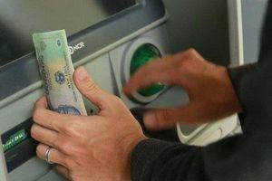 Hàng loạt ngân hàng cảnh báo tội phạm thẻ dịp nghỉ lễ