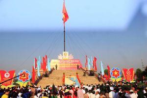 Lễ thượng cờ 'Thống nhất non sông' tại đôi bờ Hiền Lương - Bến Hải