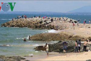Khách du lịch đến Bình Thuận, Đà Nẵng, Quảng Nam tăng mạnh trong dịp nghỉ lễ
